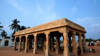 Arattu Mandapam at Shankhumugham beach