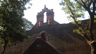 तलश्शेरी फोर्ट