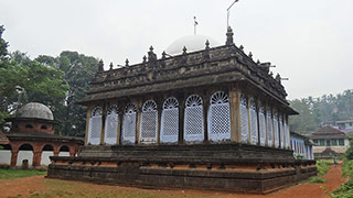 Pazhayangadi Mosque, Kondotty