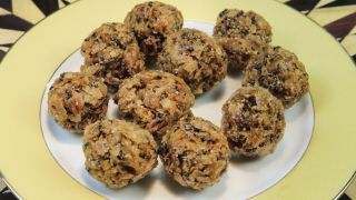 Rice flakes Laddu