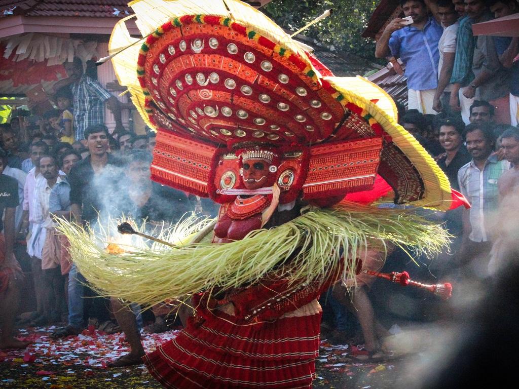 Chooliyar Bhagavathy Theyyam performance