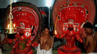 Oorpazhassi and  Vettaikkorumakan at  Narath Vishwakarma Oorpazhassi Temple