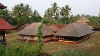 Madiyan Koolom Pattu Utsavam