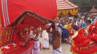 Vengakkotthu Bhagavathy  Theyyam and Vishnumoorthy Theyyam at Vengakkottu Bhagavathy Temple, Pilicode
